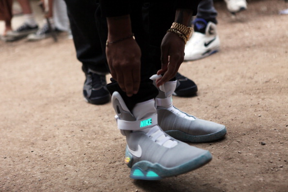 Nike Shoe Designer Says That 'Back To The Future' Power Laces Will Be  Available For 2015